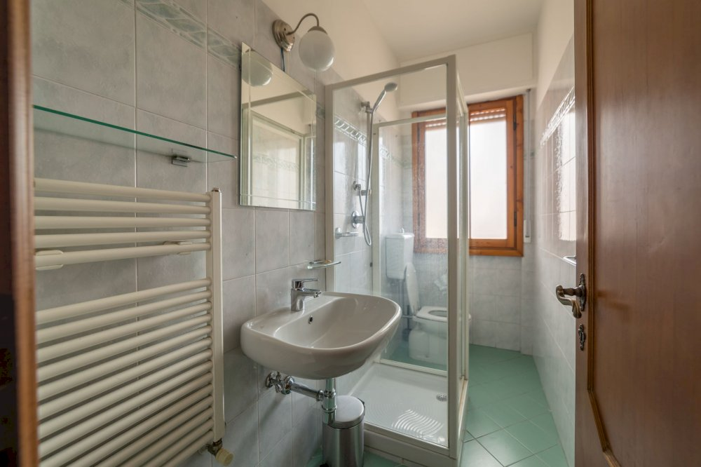 https://helpaccommodation.sextan.eu/upload/flats//-IMG_1856-HDR.jpg