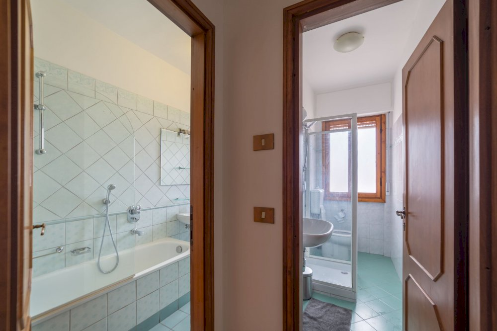 https://helpaccommodation.sextan.eu/upload/flats/AC5_5L/AC5_5L-IMG_1872-HDR.jpg