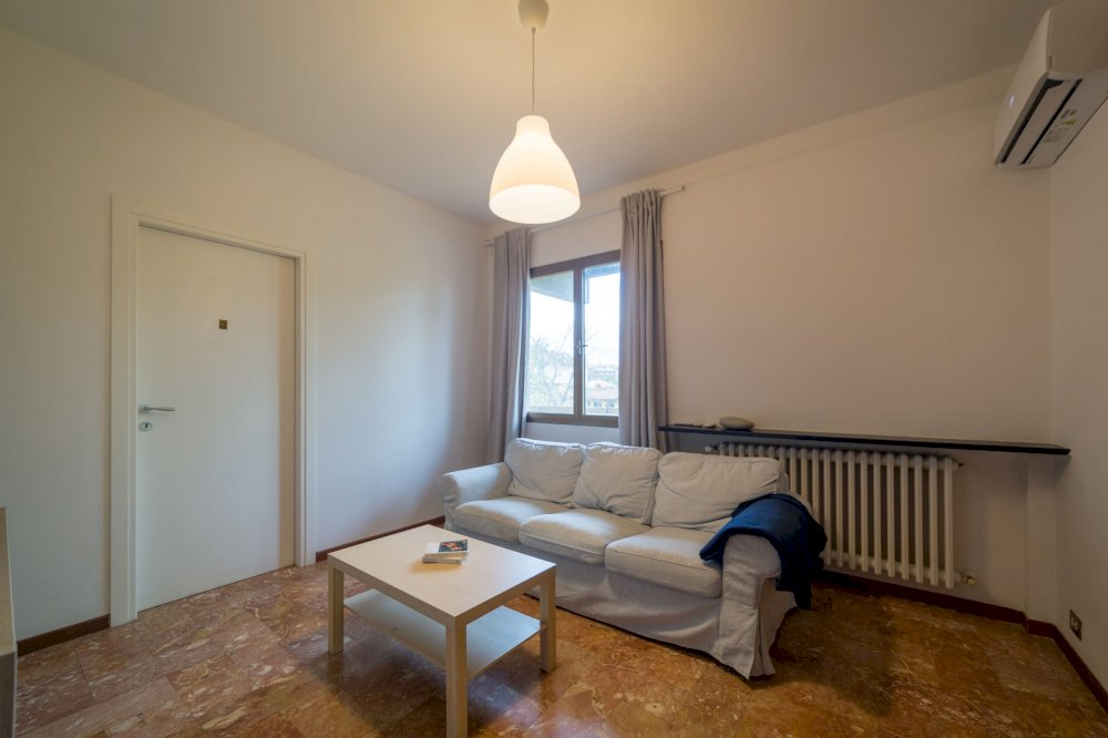 https://helpaccommodation.sextan.eu/upload/flats//-IMG_1884-HDR.jpg