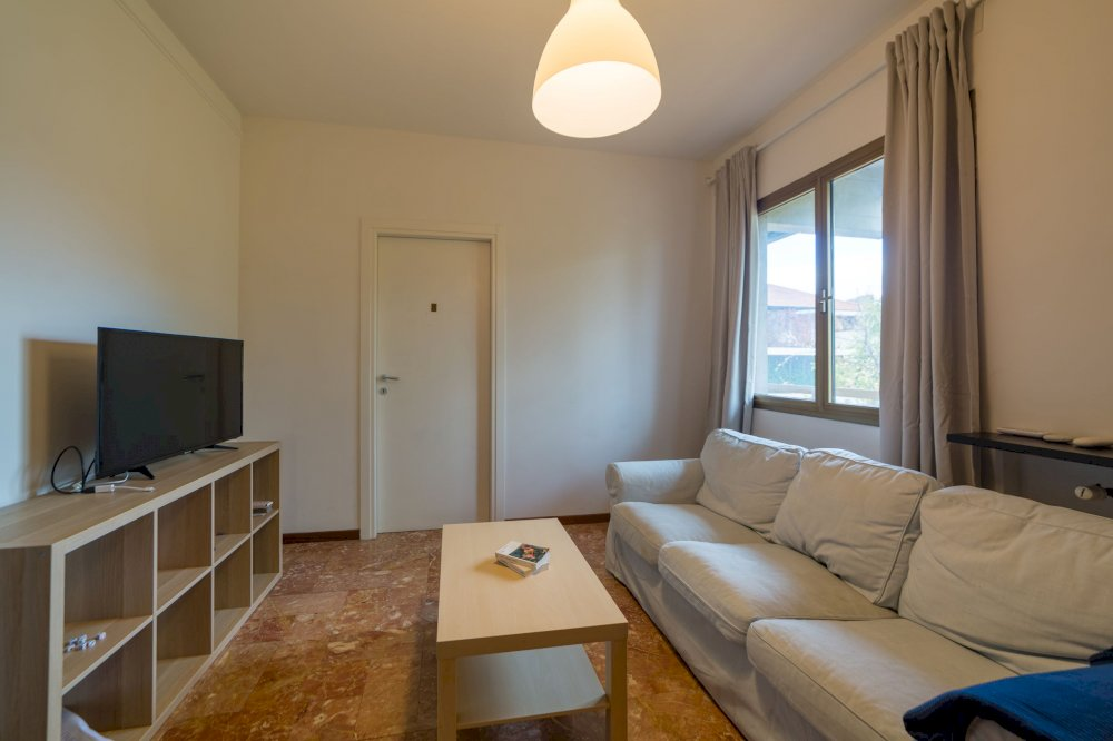 https://helpaccommodation.sextan.eu/upload/flats/AC5_5L/AC5_5L-IMG_1888-HDR.jpg