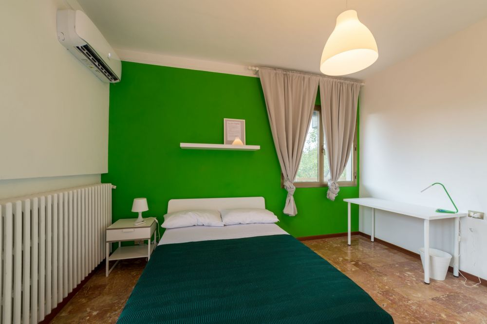 https://helpaccommodation.sextan.eu/upload/flats/AC5_5L/AC5_5L_1-IMG_1756-HDR.jpg