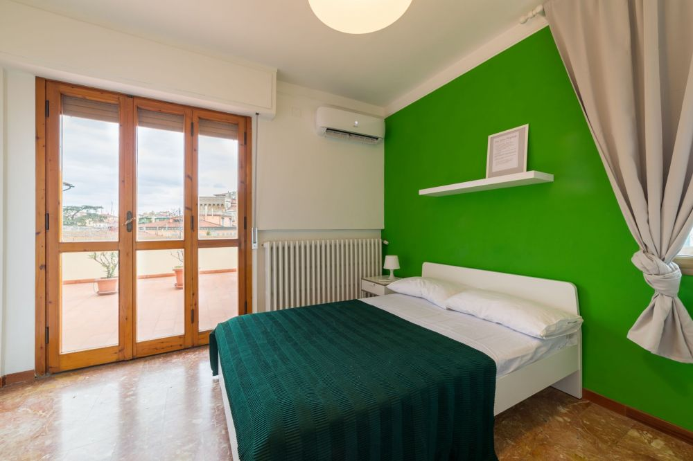 https://helpaccommodation.sextan.eu/upload/flats/AC5_5L/AC5_5L_1-IMG_1760-HDR.jpg