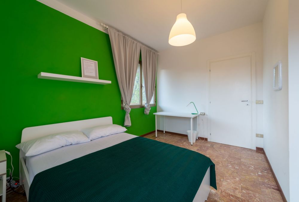https://helpaccommodation.sextan.eu/upload/flats/AC5_5L/AC5_5L_1-IMG_1772-HDR.jpg