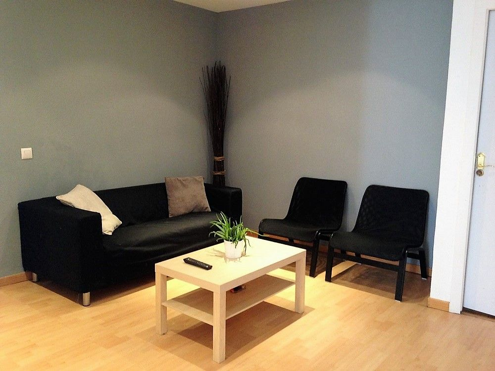 https://helpaccommodation.sextan.eu/upload/flats//-Living room 0.jpeg
