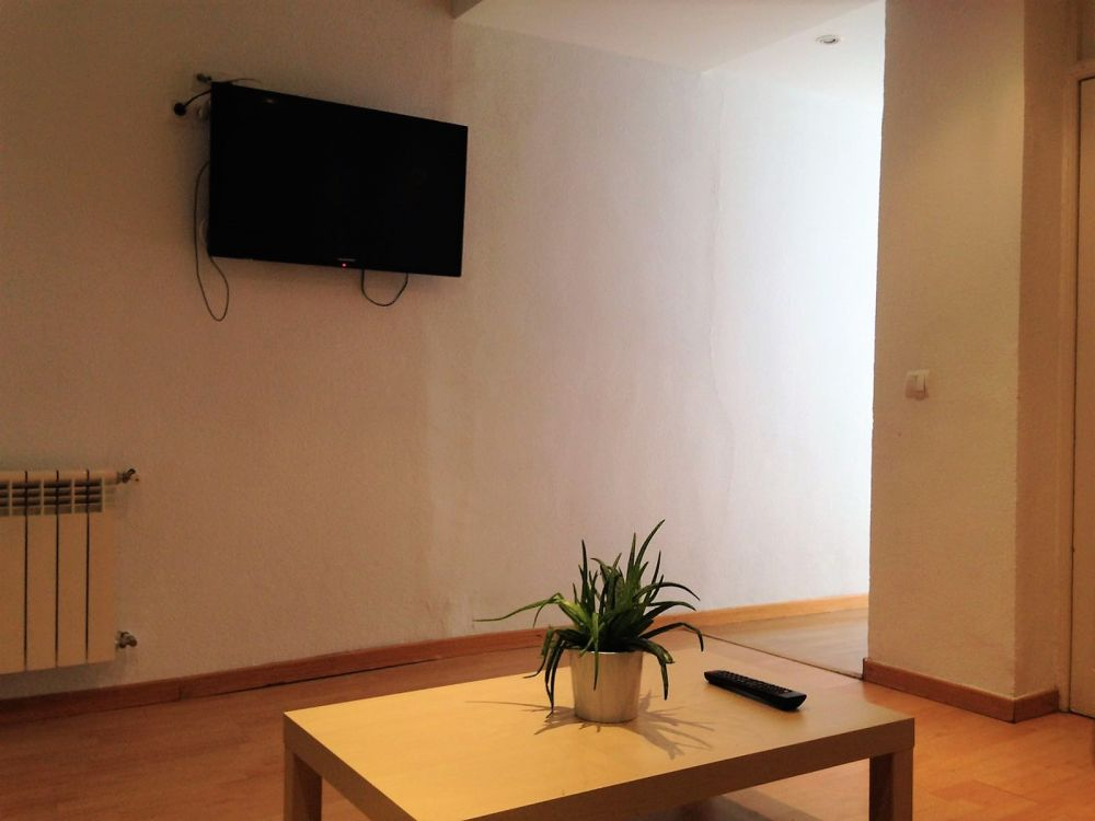 https://helpaccommodation.sextan.eu/upload/flats//-Living room 5.jpeg