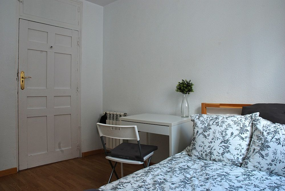 https://helpaccommodation.sextan.eu/upload/flats/B39_5I/7-7.2.JPG