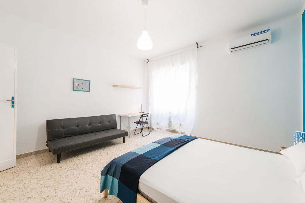 https://helpaccommodation.sextan.eu/upload/flats/B43_L/2-810_3984.jpg