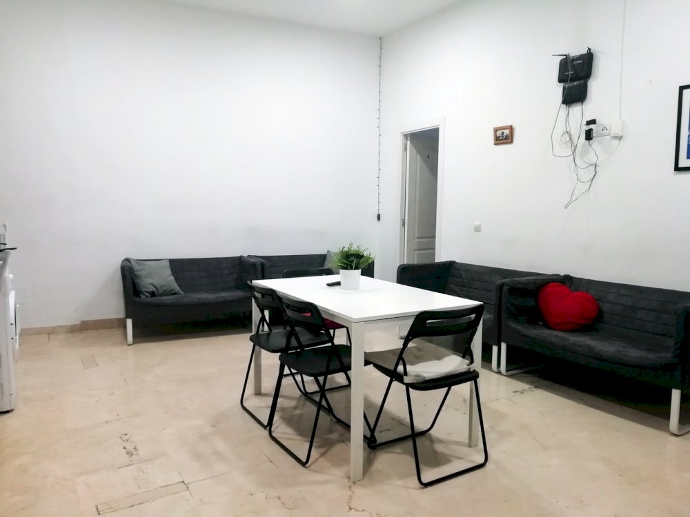 https://helpaccommodation.sextan.eu/upload/flats//-comedor11.jpg