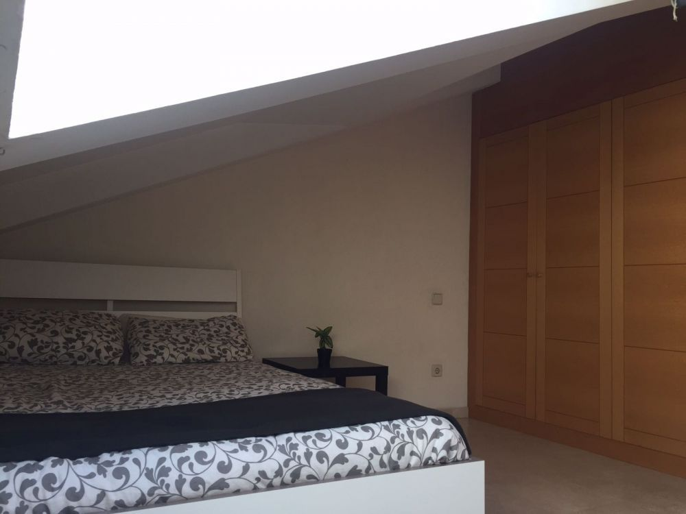 https://helpaccommodation.sextan.eu/upload/flats/B9_5B/4-4 1.jpg