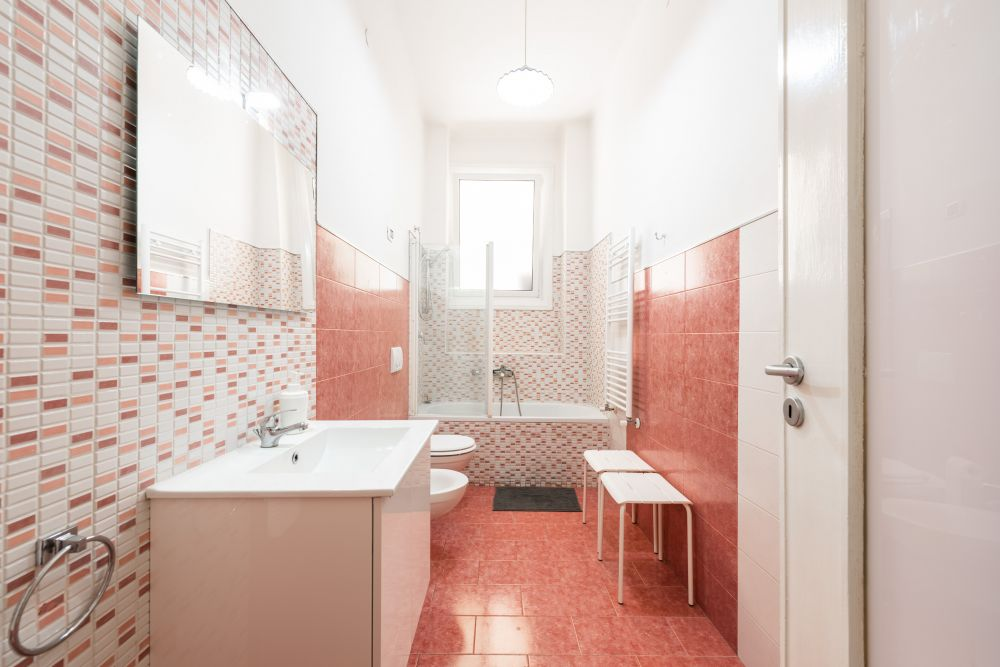 https://helpaccommodation.sextan.eu/upload/flats//-bagno1.jpg
