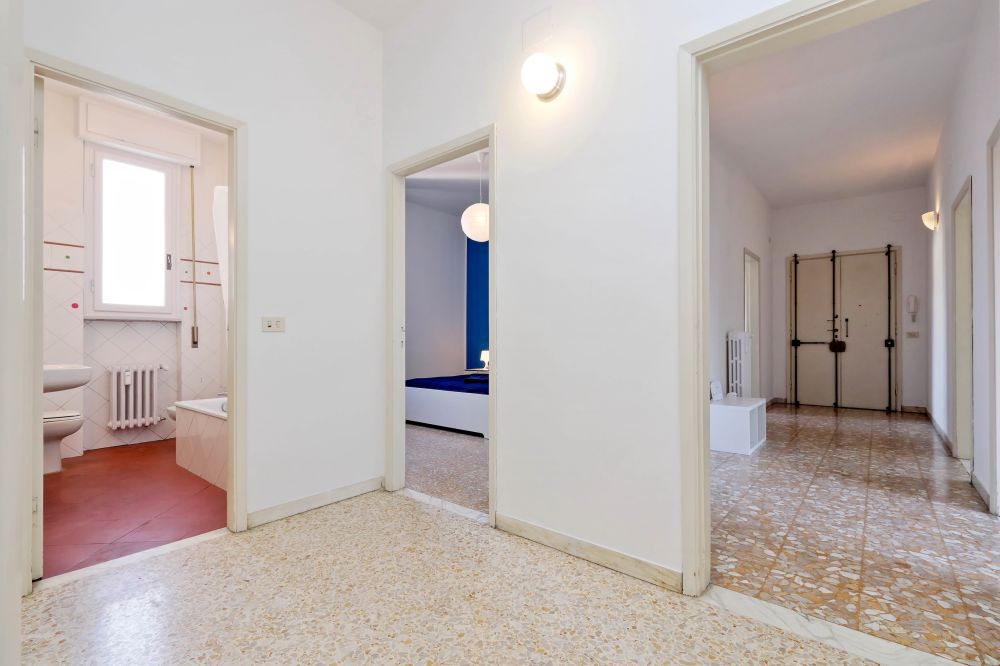 https://helpaccommodation.sextan.eu/upload/flats/Bellini/Bellini-VIA BELLINI 34.jpg
