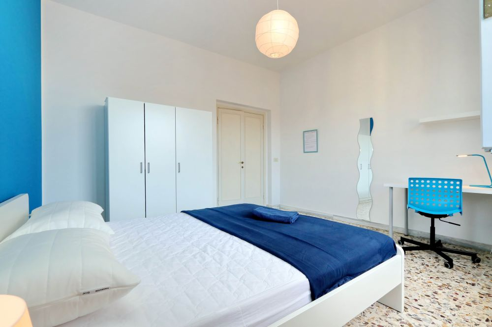 https://helpaccommodation.sextan.eu/upload/flats/Bellini/2-VIA BELLINI 05.jpg