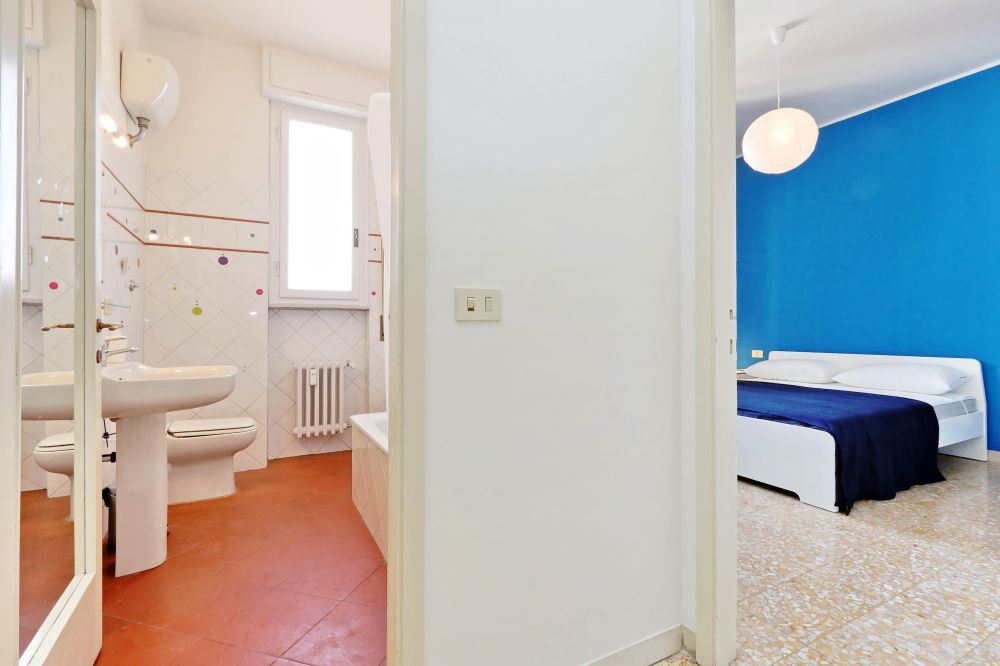 https://helpaccommodation.sextan.eu/upload/flats/Bellini/Bellini_4-VIA BELLINI 28.jpg