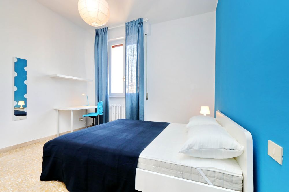 https://helpaccommodation.sextan.eu/upload/flats/Bellini/Bellini_4-VIA BELLINI 31.jpg