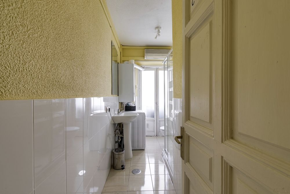 https://helpaccommodation.sextan.eu/upload/flats//-Baño C -caldera-.jpg