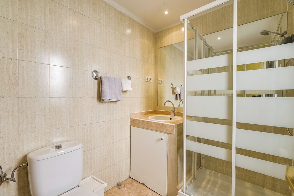 https://helpaccommodation.sextan.eu/upload/flats//-Baño D.jpg