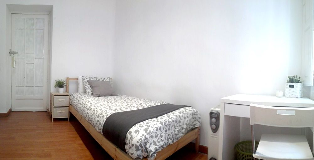 https://helpaccommodation.sextan.eu/upload/flats/CN23_BI/1-2.jpg