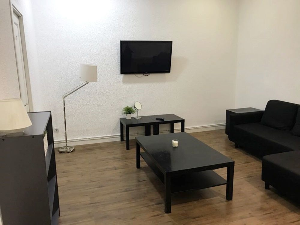 https://helpaccommodation.sextan.eu/upload/flats//-66ab2bda-cad8-4fe9-acac-5b238ab07203 (1).jpg