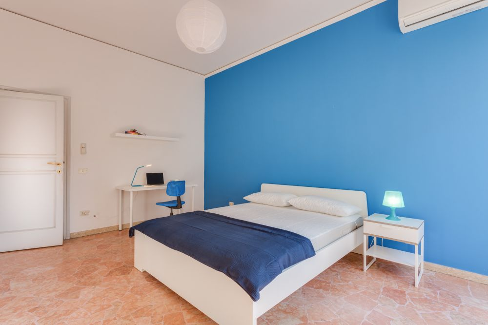 http://helpaccommodation.sextan.eu/upload/flats/Cherubini/6-982A406322.jpg