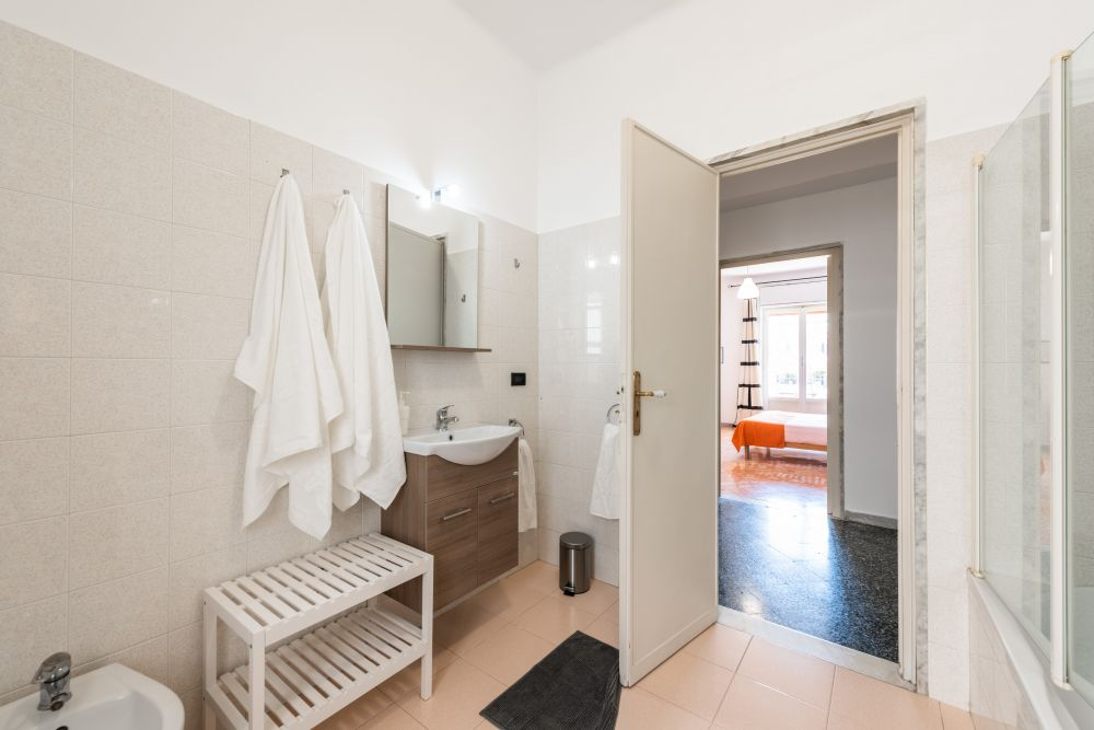 https://helpaccommodation.sextan.eu/upload/flats/DDB36G/DDB36G-bagno1_1.jpg