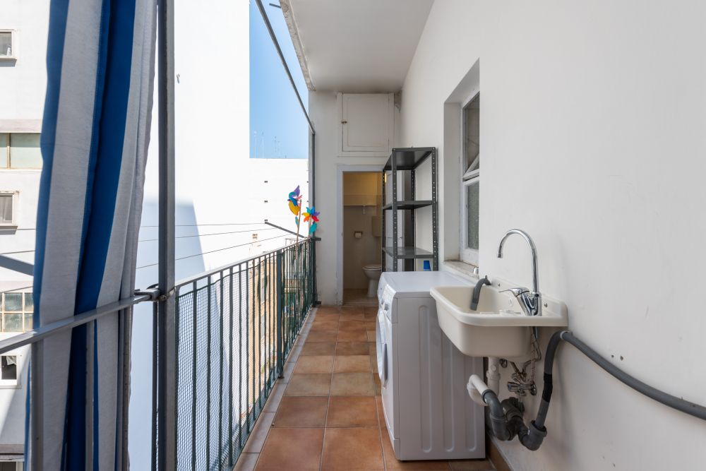 https://helpaccommodation.sextan.eu/upload/flats/DDB36G/DDB36G-balcone lavanderia.jpg
