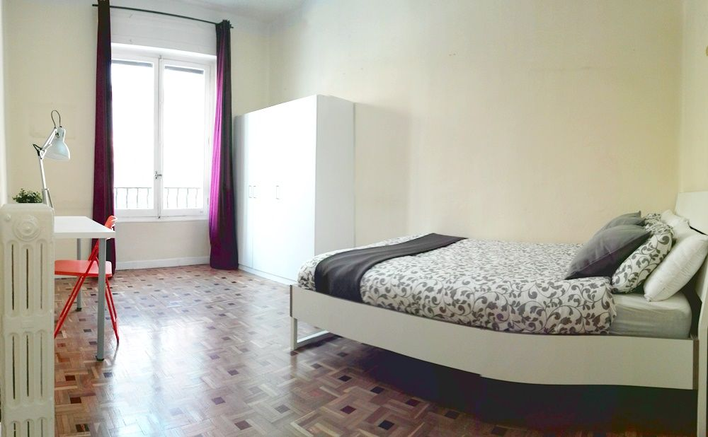 https://helpaccommodation.sextan.eu/upload/flats/FR3_1I/1-2.jpg