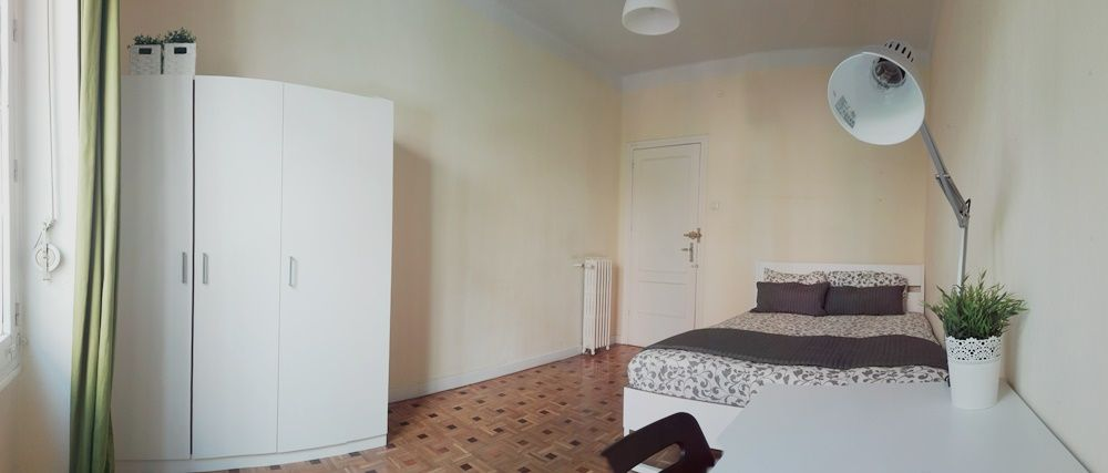 https://helpaccommodation.sextan.eu/upload/flats/FR3_1I/4-14938212735.jpg
