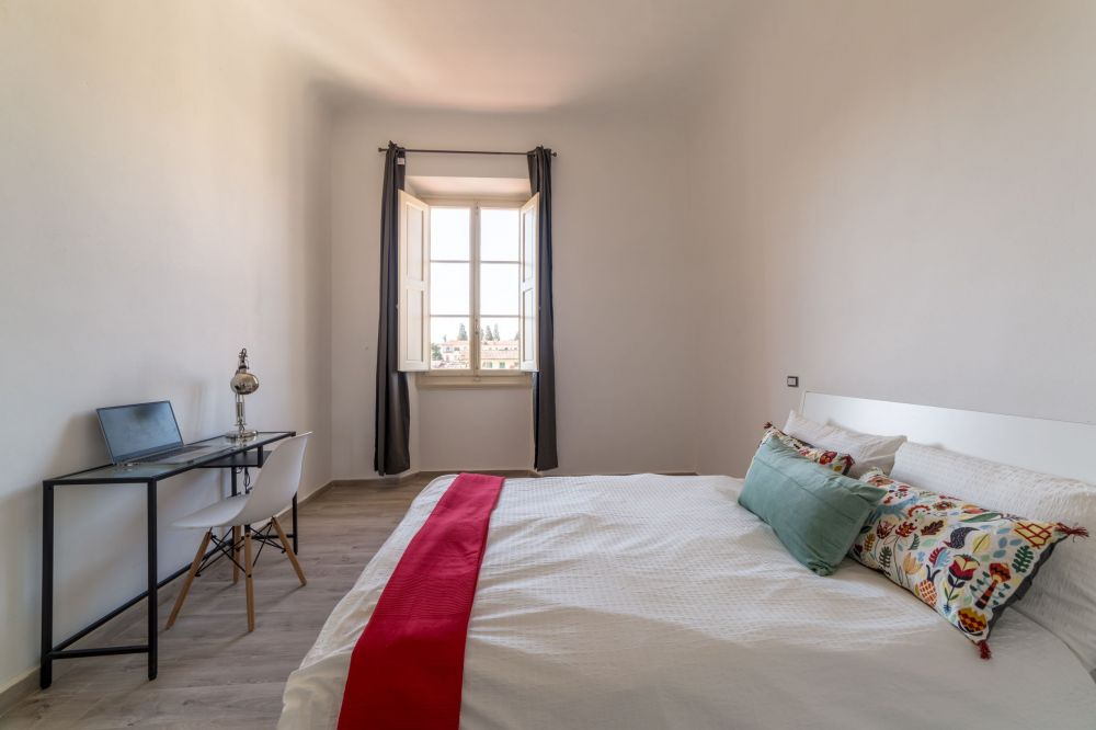 https://helpaccommodation.sextan.eu/upload/flats/G37_3L/5-IMG_1807-HDR.jpg