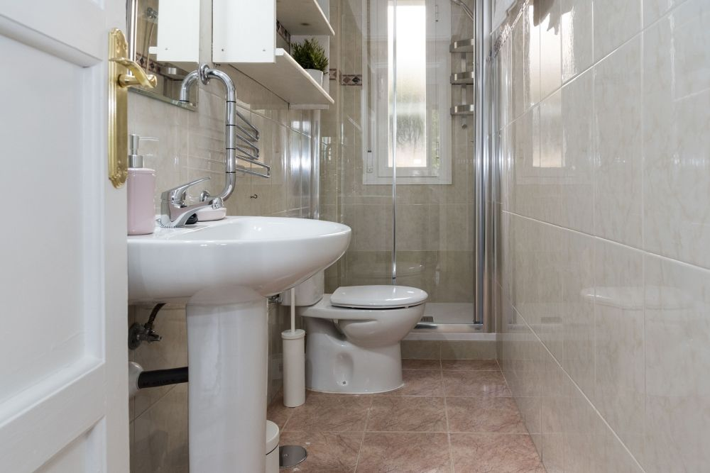 https://helpaccommodation.sextan.eu/upload/flats//-bathroom_1.jpg