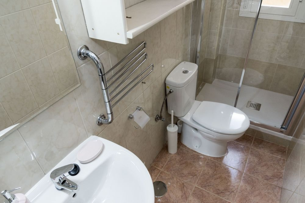 https://helpaccommodation.sextan.eu/upload/flats//-bathroom_2.jpg