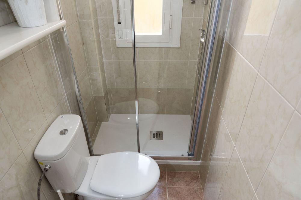 https://helpaccommodation.sextan.eu/upload/flats//-bathroom_4.jpg