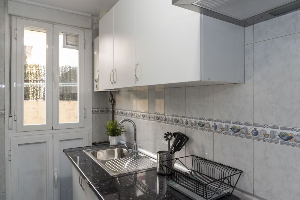 https://helpaccommodation.sextan.eu/upload/flats//-kitchen_1.jpg