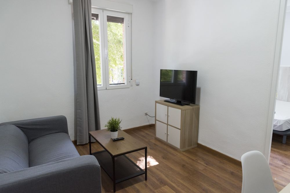 https://helpaccommodation.sextan.eu/upload/flats//-livingroom.jpg