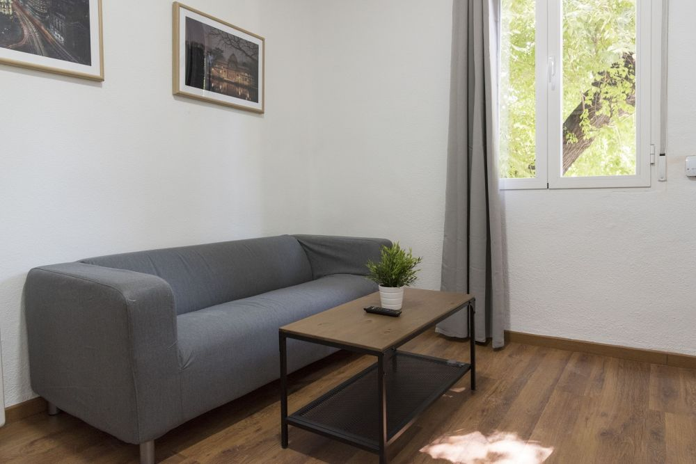 https://helpaccommodation.sextan.eu/upload/flats//-livingroom_1.jpg
