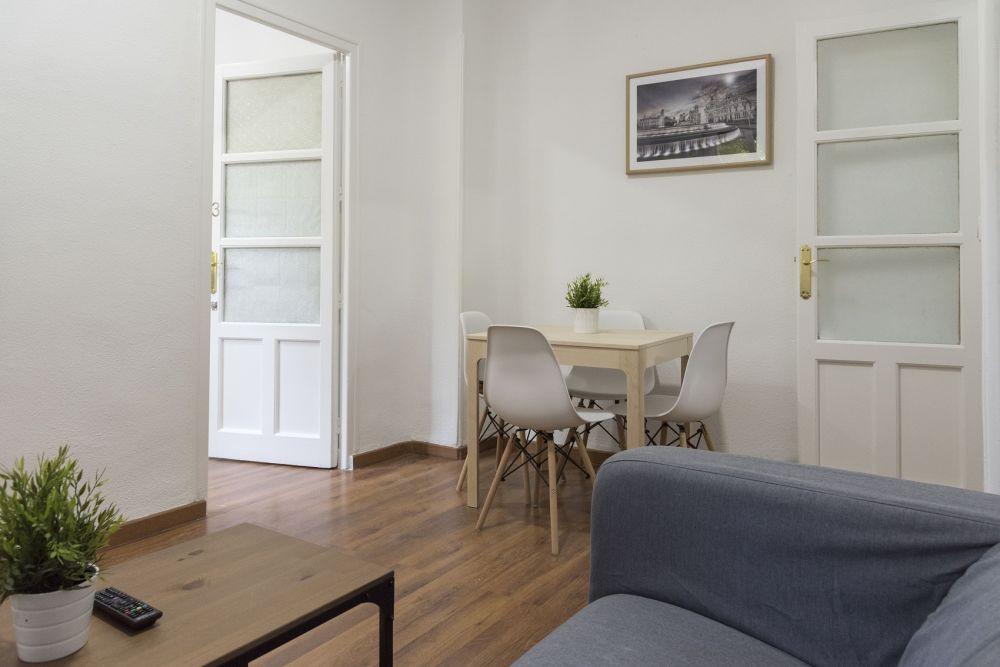https://helpaccommodation.sextan.eu/upload/flats//-livingroom_2.jpg