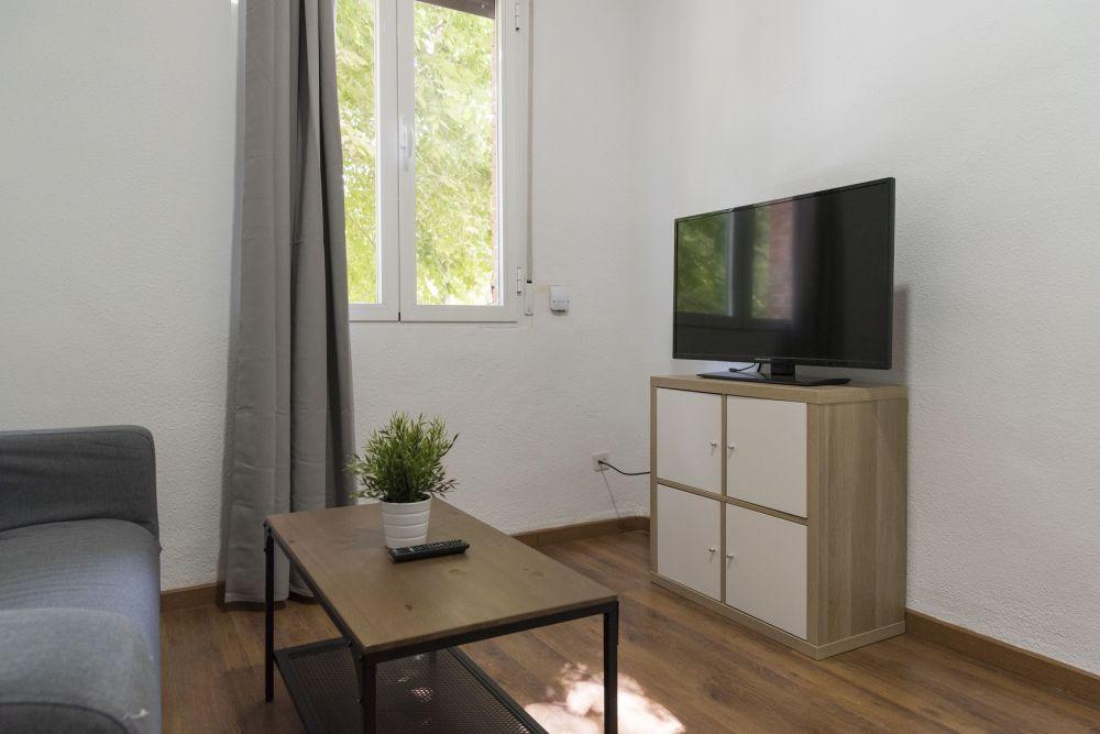https://helpaccommodation.sextan.eu/upload/flats//-livingroom_3.jpg