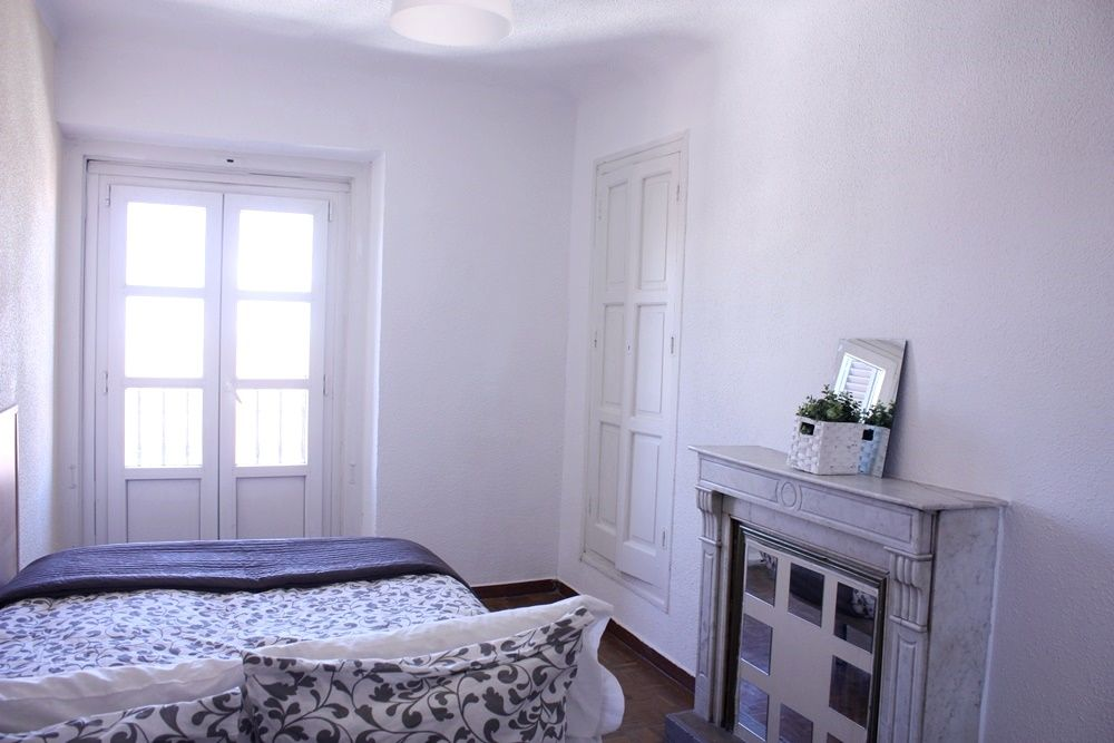 http://helpaccommodation.sextan.eu/upload/flats/H10_5D/5-ROOM5 (12).JPG