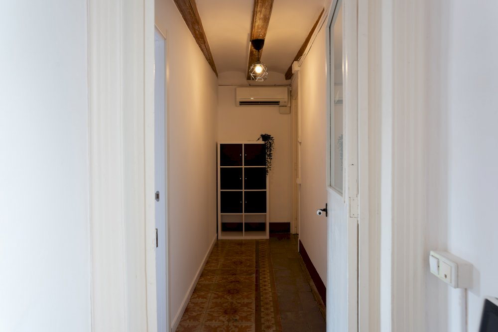 https://helpaccommodation.sextan.eu/upload/flats//-Hallway-min (1).jpg