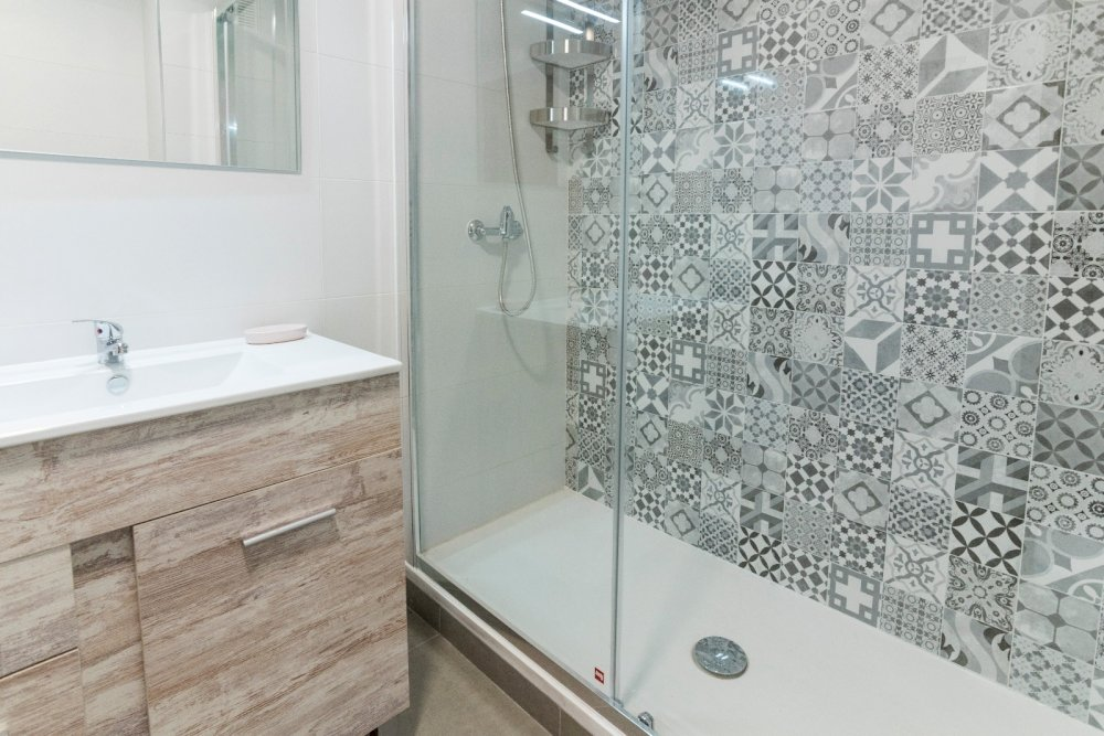 https://helpaccommodation.sextan.eu/upload/flats//-BAÑO B 3.jpeg