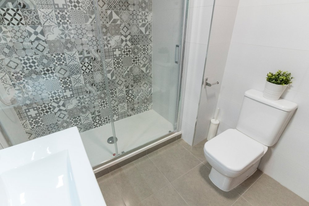 https://helpaccommodation.sextan.eu/upload/flats//-BAÑO B.2.jpeg