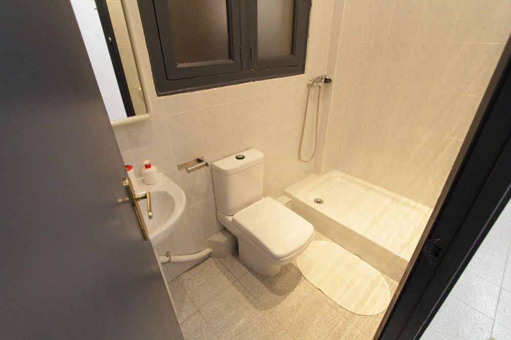 https://helpaccommodation.sextan.eu/upload/flats//-bagno1m.jpg