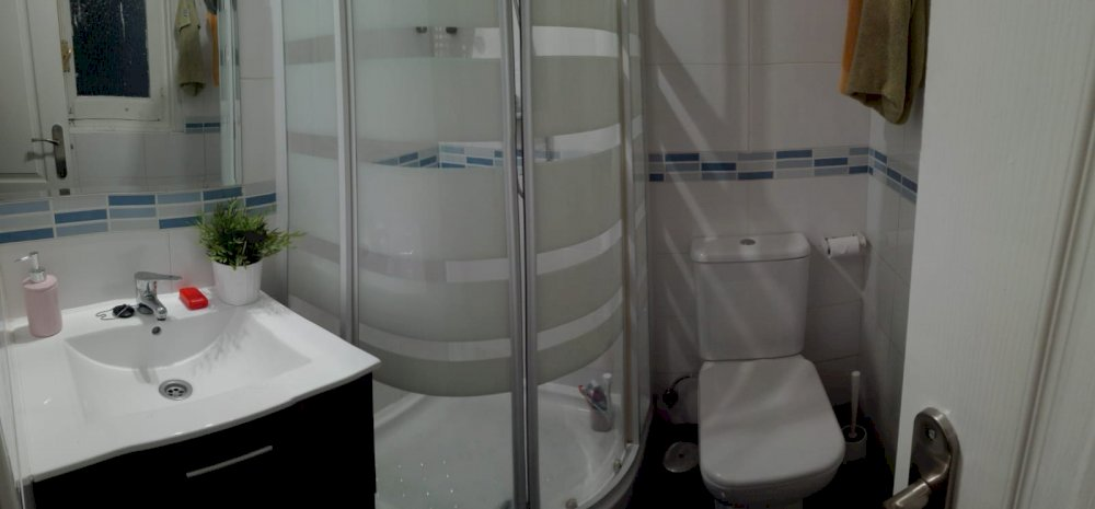 https://helpaccommodation.sextan.eu/upload/flats//-Baño otro 1I.jpeg
