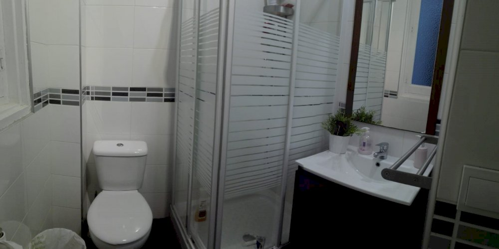 https://helpaccommodation.sextan.eu/upload/flats//-Baño 2I.jpeg