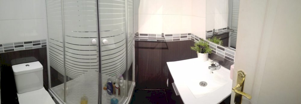 https://helpaccommodation.sextan.eu/upload/flats//-Baño otro 2I.jpeg