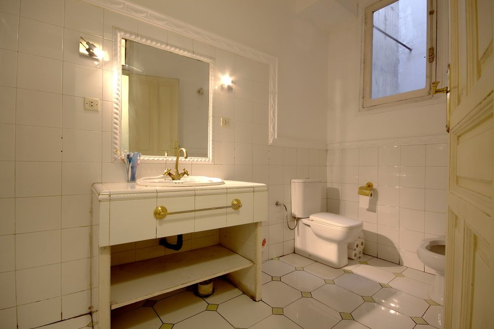 http://helpaccommodation.sextan.eu/upload/flats//-baño 1 1.jpg