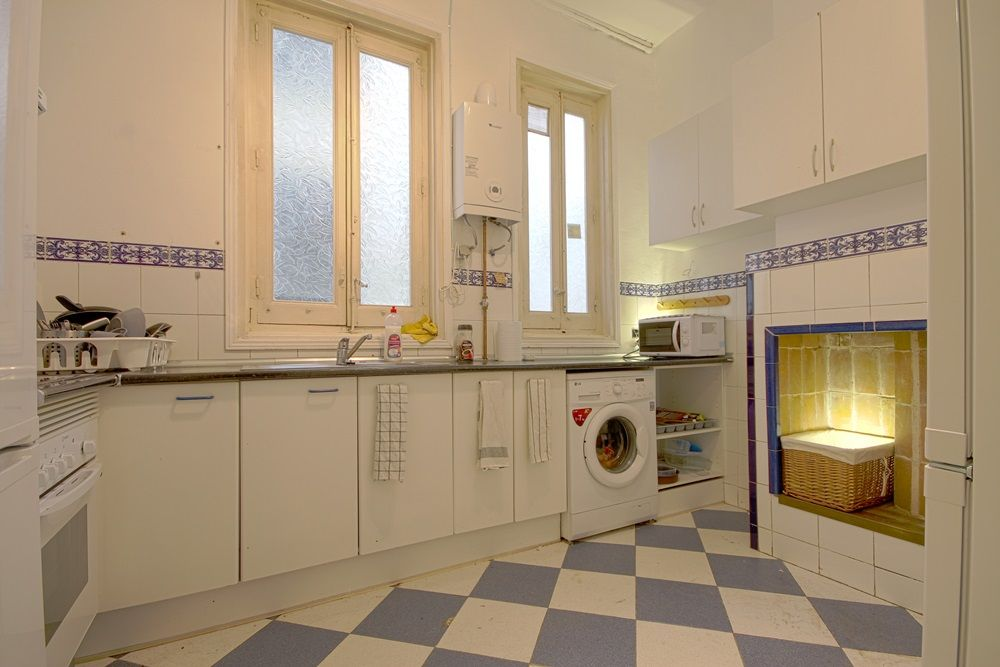 http://helpaccommodation.sextan.eu/upload/flats//-cocina 1.jpg