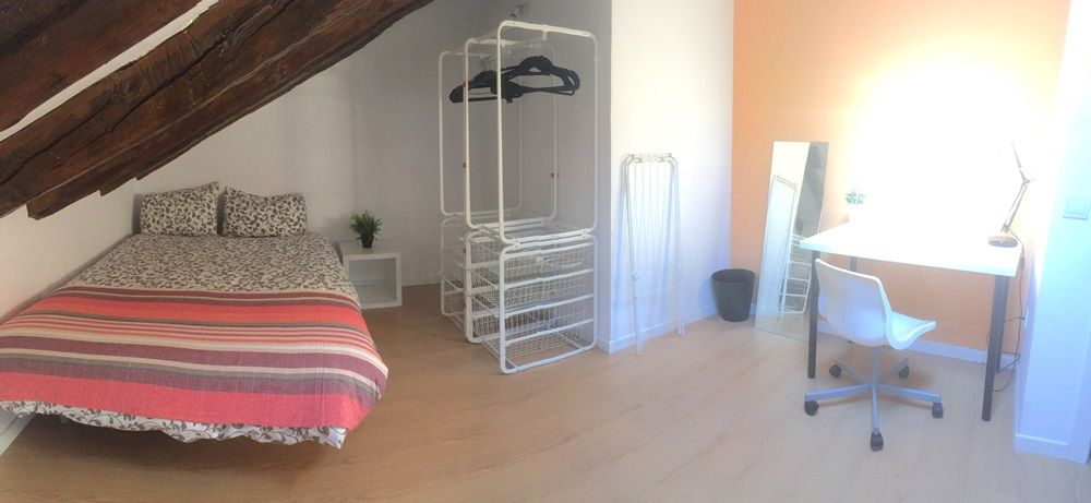 https://helpaccommodation.sextan.eu/upload/flats/P42_5D/12-IMG_5341 1.JPG