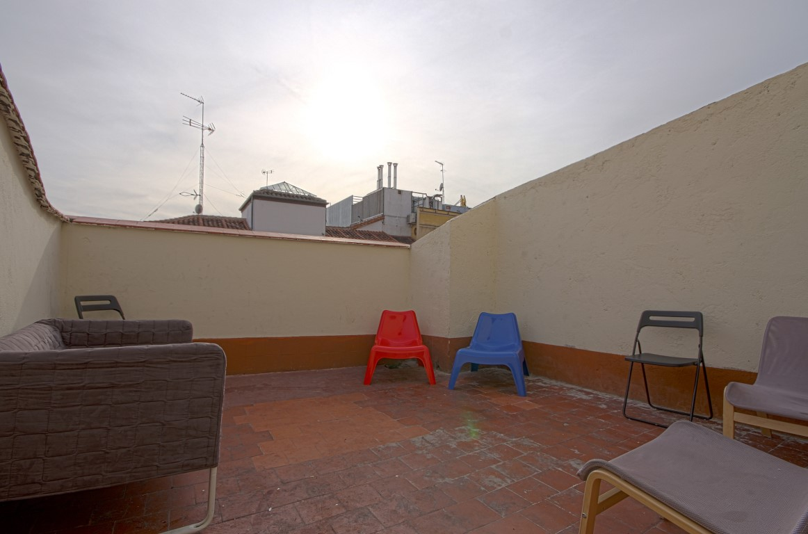http://helpaccommodation.sextan.eu/upload/flats//-TERRAZA.jpg