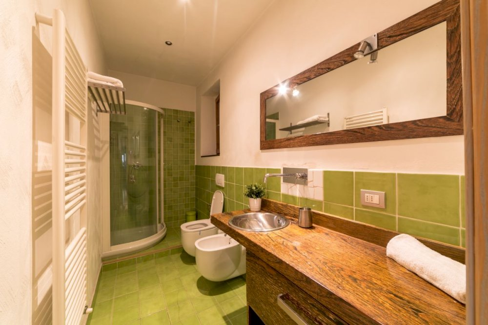 https://helpaccommodation.sextan.eu/upload/flats//-bagno a b.jpg