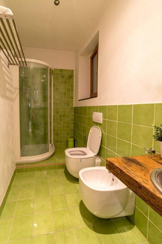 https://helpaccommodation.sextan.eu/upload/flats//-bagno a.jpg